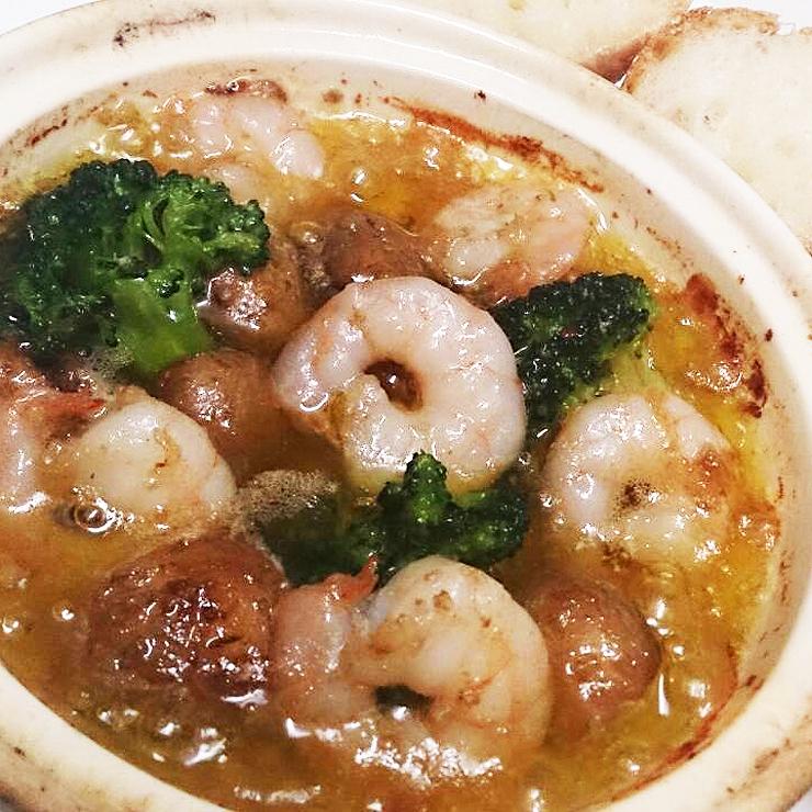 古河市の洋風居酒屋バルペコラのオススメ創作イタリアン海老マッシュルームやさいのアヒージョ